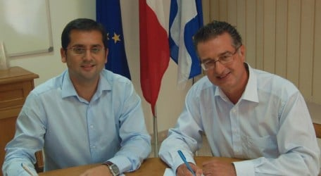 Gzira Local Counsil signing agreement with GreenPak - 1