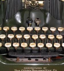 377275_typewriter