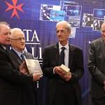 John Inguanez receiving Gold Award