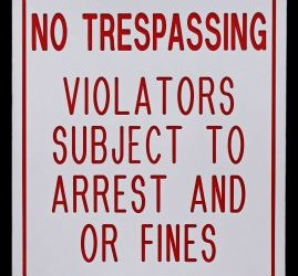 no-trespassing-sign-651035-m