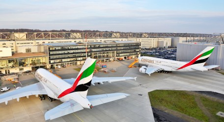 120 - Double delivery takes Emirates A380 fleet to 44 - 1