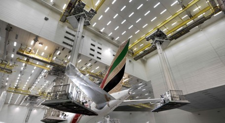 "00 - Emirates completes 21 aircraft ""make-overs"" in 2013"