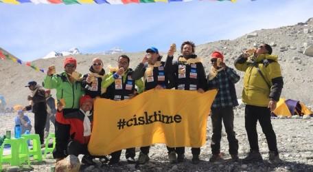 09_Cisktime_Base Camp_Mt. Everest_May20104