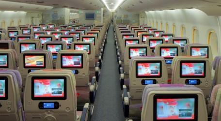 """58 - Emirates A380 says """"Namaste Mumbai"""" - 1"""