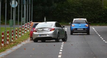 16 - Opel demonstrates technology for safer inner-city driving