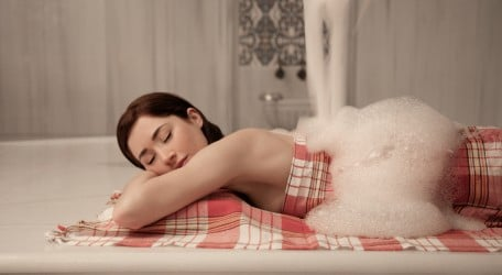 woman during hammam relaxation