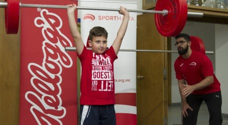 Weightlifting for young participants at #OnTheMove SkolaSport - IPH_0168