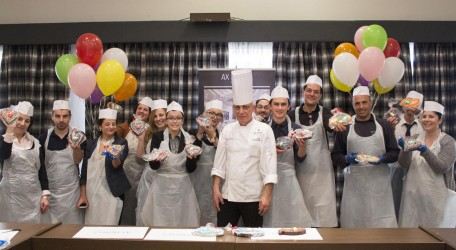 19. Staff from The Palace and The Victoria Hotel bake figolli for hospital children 2