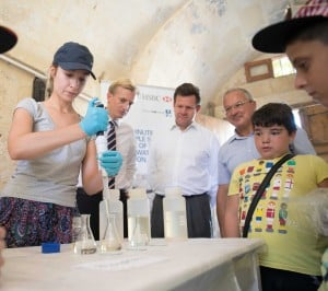 HSBC Catch the Drop supports SkolaSajf summer activity - IMG_1